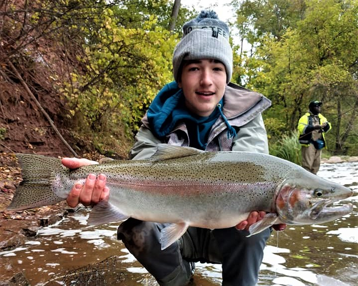 Musky, Browns, Steelhead and Salmon - Big Fish: Niagara USA