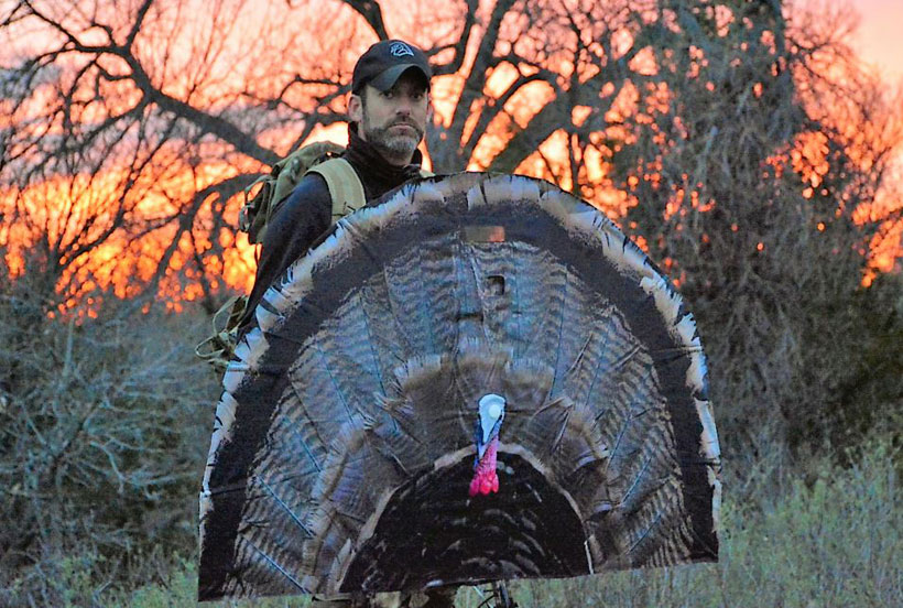 TurkeyFan.com - Lure & Blind All in One