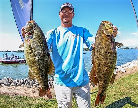 Farlow Leads Day 1 on FLW Lake Erie Bass Tourney
