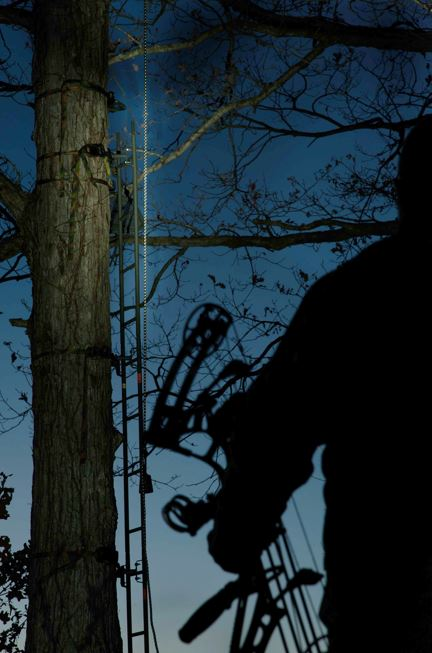 Tree Stand Hunters, GRAB A LIFELINE to your Biggest Deer